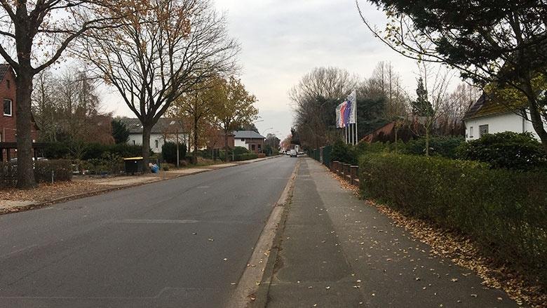 Radschutzstreifen und Parkverbote in der Esinger Straße abgewehrt