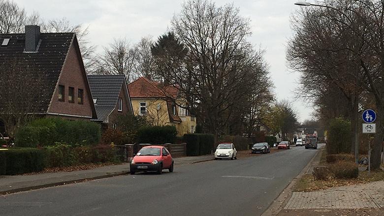 Esinger Straße - Kein Radschutzstreifen